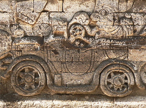 A Dutch colonial car on a relief in the Jagaraga Pura Dalem temple